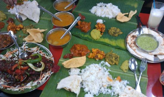 Bayview Hotel Georgetown Penang: World famous banana leaf restaurant in Little India
