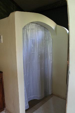 Kirurumu Tarangire Lodge: best shower in 5 weeks!