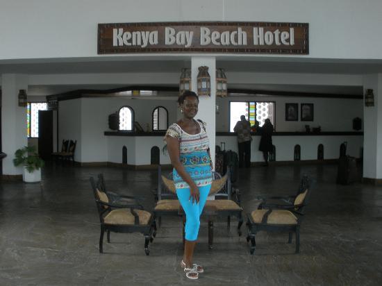 Kenya Bay Beach Hotel: Hotel lobby