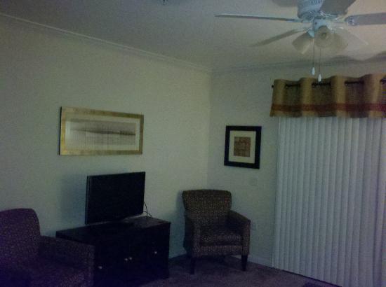 Palisades Resort: Living room