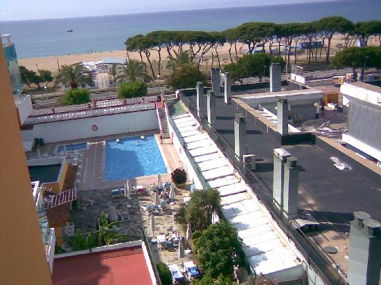 Malgrat de Mar, Hiszpania: pool and beach
