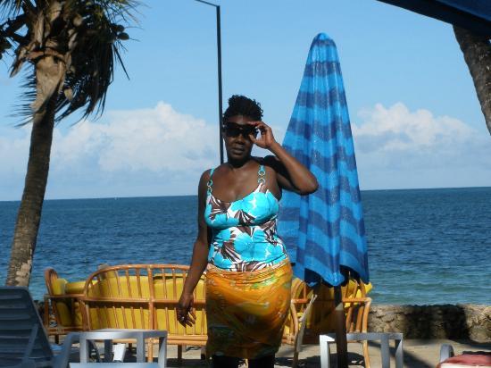 كينيا باي بيتش هوتل: beach 