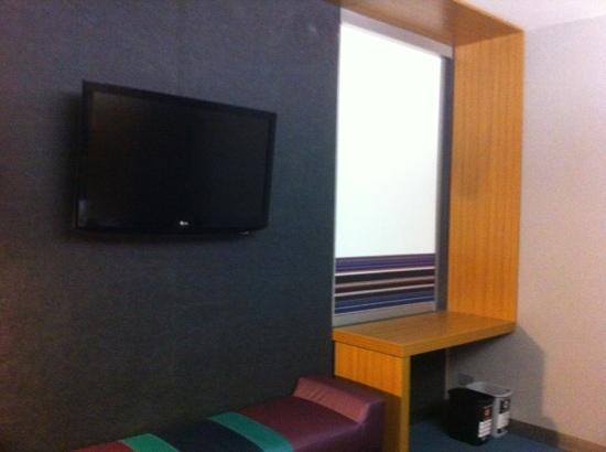 Aloft San Jose Hotel: Flat TV