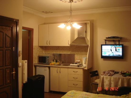 Ekim Apartments: ...