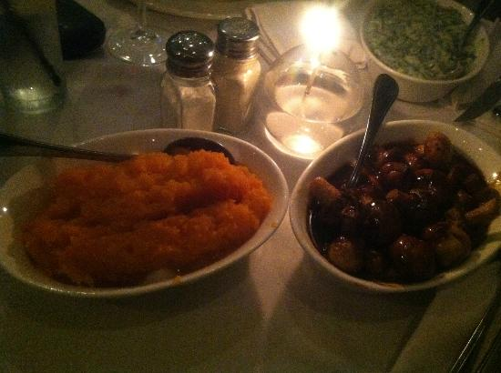 The Cattle Baron Grill House: Sides for sharing (pumpkin, grilled mushrooms and broccoli)