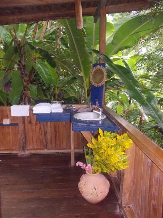 Lookout Inn Lodge: Bathroom
