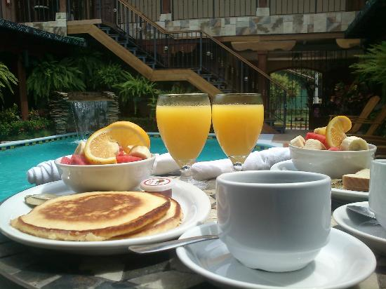 Hotel La Mar Dulce: Full breakfast