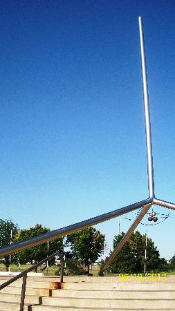 Helium Monument: Helium Time Columns Monument