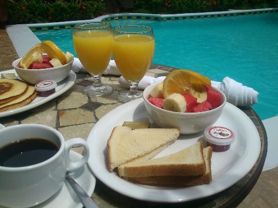Hotel La Mar Dulce: Breakfast