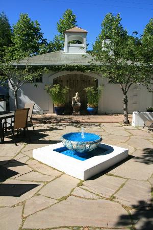 The Cottage Inn & Spa: The shared courtyard. 