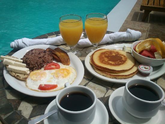 Hotel La Mar Dulce : Full breakfast