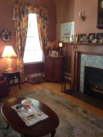 Atlantic View Inn: Living Room