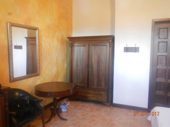 Hotel Mariscal Robledo: Closet