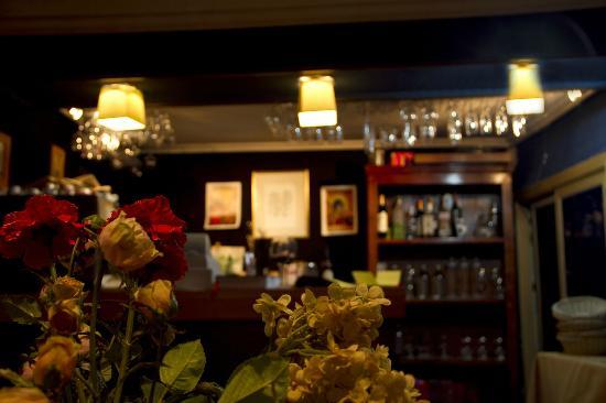 zazu bistro: El Bar