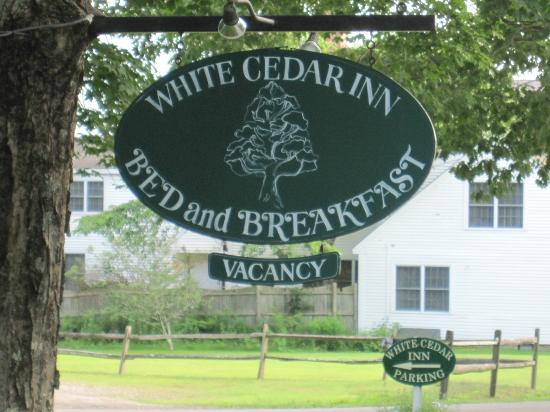 White Cedar Inn Bed and Breakfast: Inn Sign