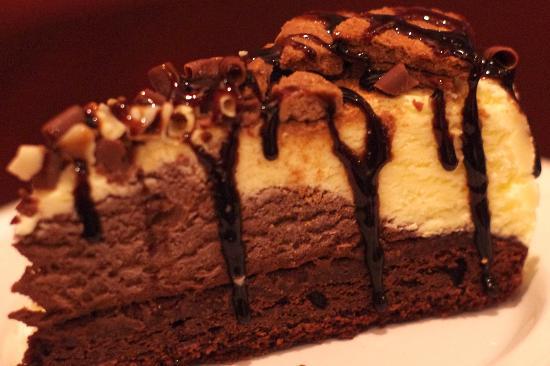 Pizzeria Toscana: Chocolate Ice-cream Brownie Cake