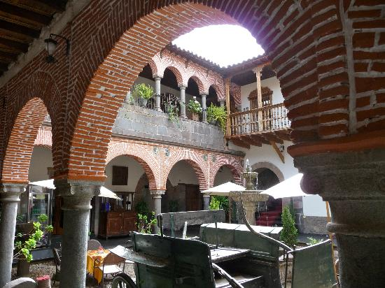 Hotel Los Marqueses : The view from our door.