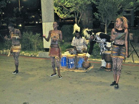 Leofoo Resort Guanshi: Live African show