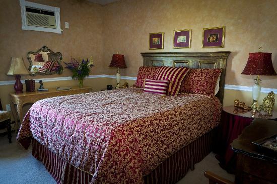The Graham Inn: Mon Amour Suite
