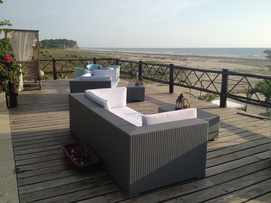 Karmairi Hotel Spa : Deck y Playa