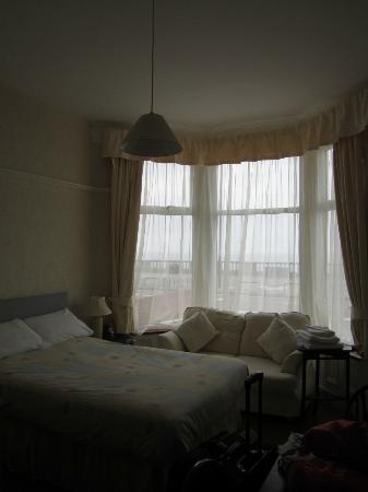 Marlborough Hotel : This was our very nice room, with a view of the ocean.