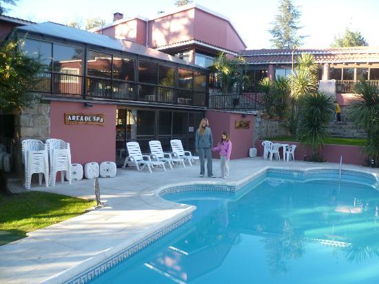 Tanti Hotel SPA & Resort: piscina con idromasajes y atras piscina climatizada