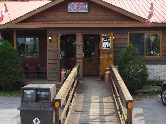 Lovesick Lake Park Restaurant: Front Doors