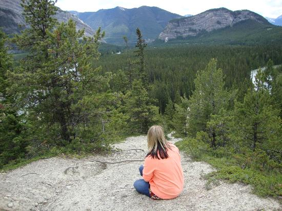 Tunnel Mountain Village II Campground : Tunnel Mountain Trails - Amazing Views