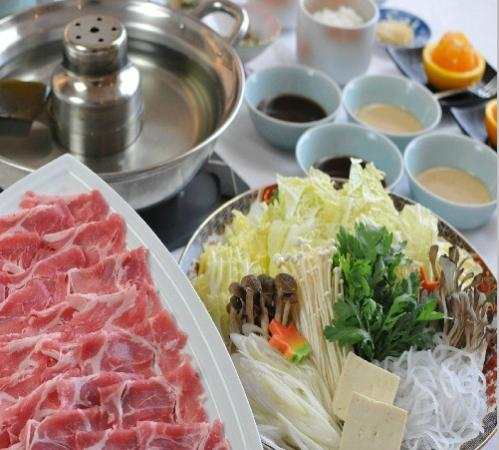 Yokote Plaza Hotel: イメージ:豚しゃぶしゃぶセット食べ放題