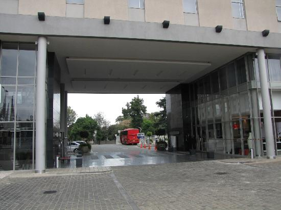 Park Inn Sandton: Outside the hotel