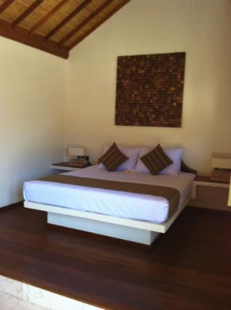 Laguna Gili Beach Resort: le lit