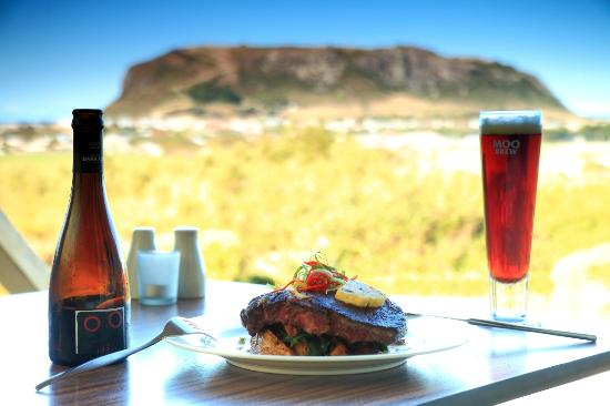 The Nut View Restaurant : Premium local produce and coastal views