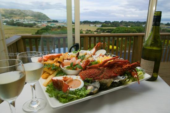 The Nut View Restaurant : Local seafood platter