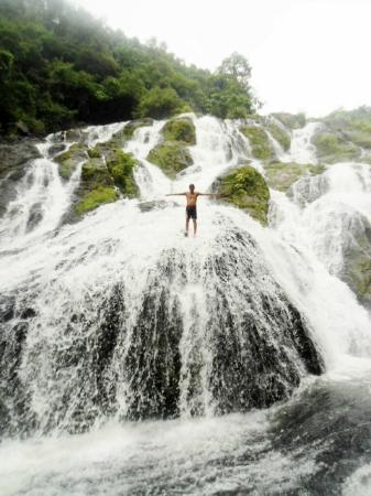 Tarangban Falls: climb his way up!