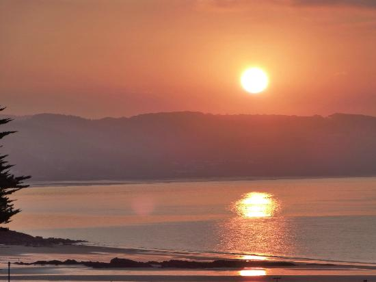 Cliff House Guest House: Beautiful sunrise