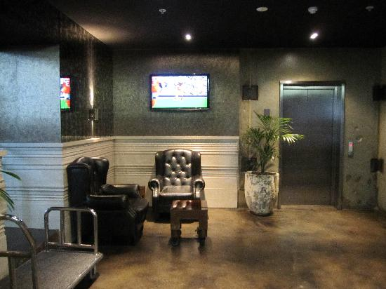 Waldorf Celestion Apartment Hotel: Lobby