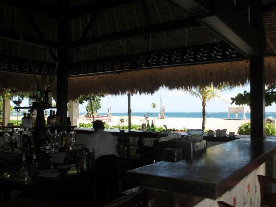 The Sandi Phala: Bar