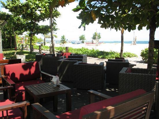 The Sandi Phala: sunset lounge 