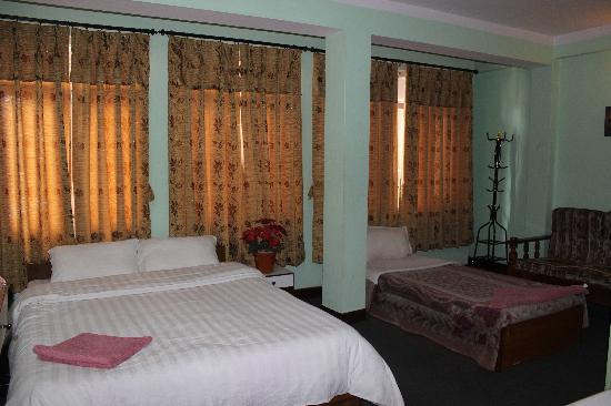 Hotel Silver Home: Double Deluxe Room