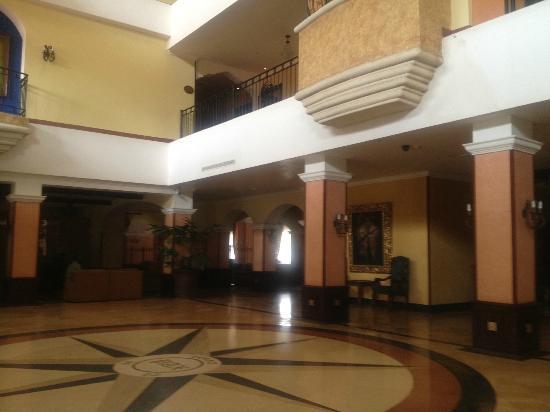 Melia Panama Canal: Hotel Lobby