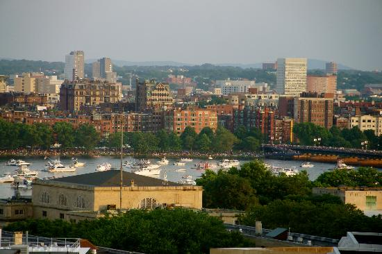Residence Inn Boston Cambridge: View of Charles river from our room ZOOMED IN