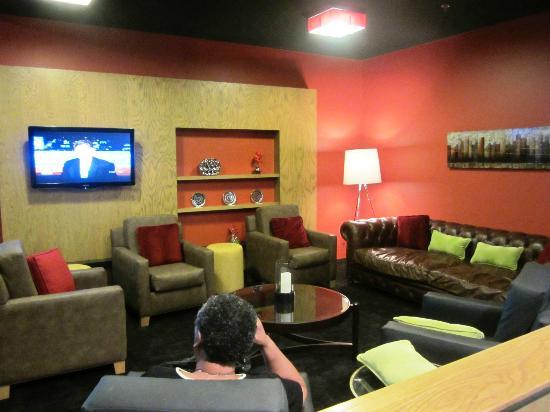 Radisson Hotel Menomonee Falls: Bar area