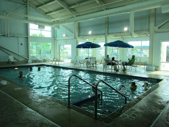 Radisson Hotel Menomonee Falls: Pool Indoor