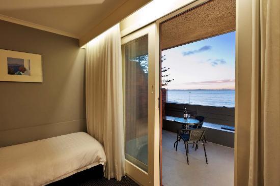 Beachfront Voyager Motor Inn: Exec Sea View Suite