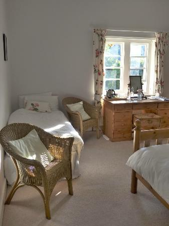 High Lodge Farm: Family Bedroom with King and single bed