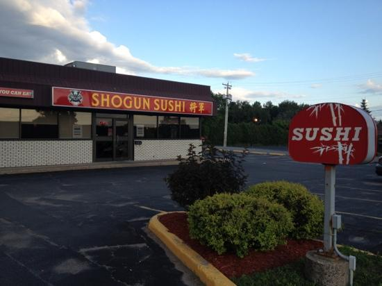 Shogun Sushi: ample parking