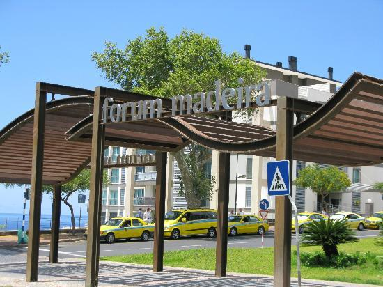 Madeira Regency Cliff: Shopping Mall Close by