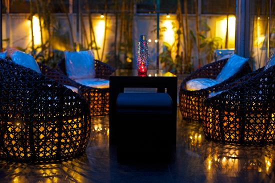 CASA Colombo Collection: ZAZA BAR by Night