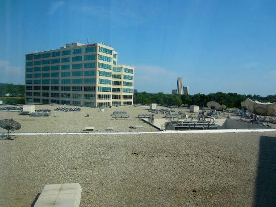 Marriott Tulsa Hotel Southern Hills: view not so good :)