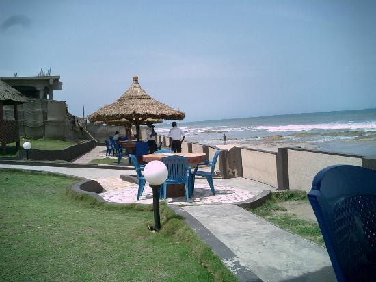 Ramada Resort Accra Coco Beach Overlooking The Lovely